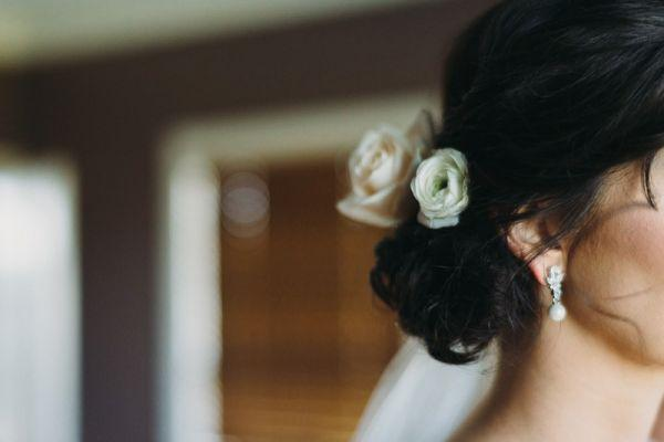 modern hairstyle for bride